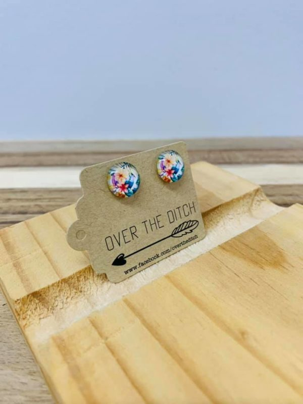 Taste of the tropics studs by over the ditch