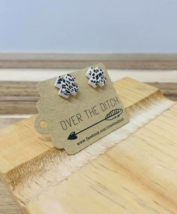 Leopard X by over the ditch